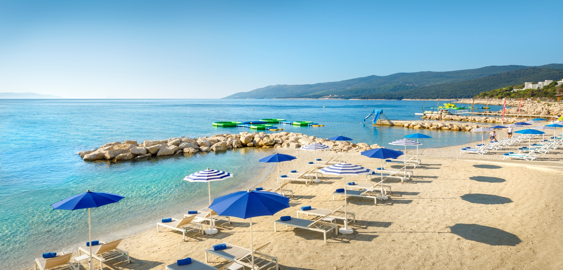 Valamar Collection Girandella Resort-50-beach-ValSundanceSandyFamilyBeach
